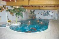 """Hallenbad im Gästehaus des Hotels """"Mariandl - Zum Singenden Wirt"""""""