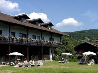 """Hallenbad im Hotel """"Ferien vom Ich"""""""